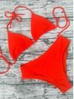 Красный женский яркий купальник-треугольник в рубчик