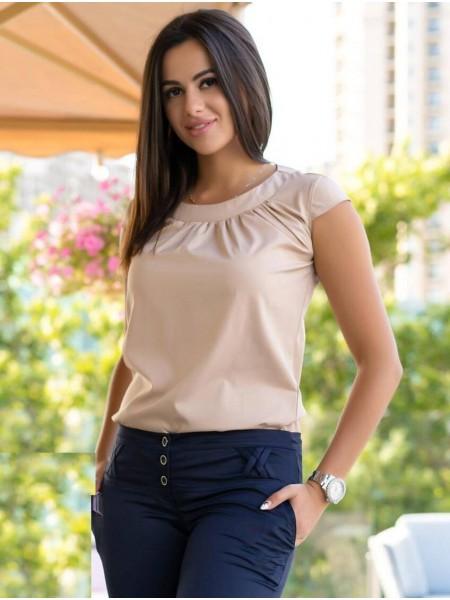 Однотонная летняя блузка