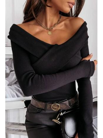 Трикотажная кофта с открытыми плечами