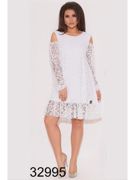 Короткое вечернее платье из гипюра