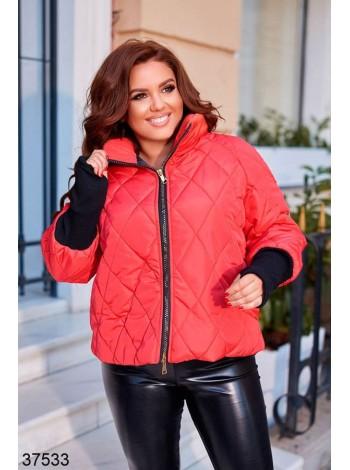 Короткая стеганая куртка с вязаными рукавами