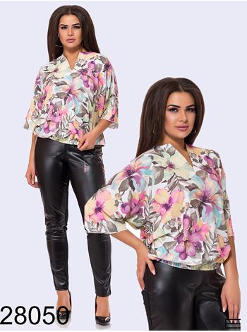 Нарядная блузка с цветочным принтом