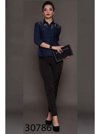 Красивая блузка с гипюром