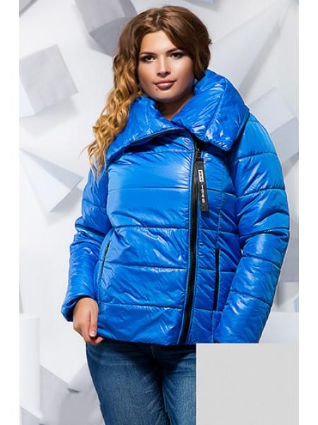 Коротка осіння куртка з великим коміром для повних ... 685ce6f3f5319