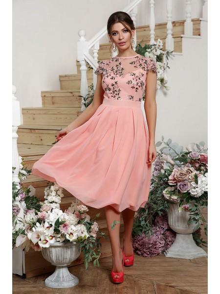 Нарядное платье с кружевом Айсидора