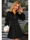 Короткое черное платье с молнией на декольте