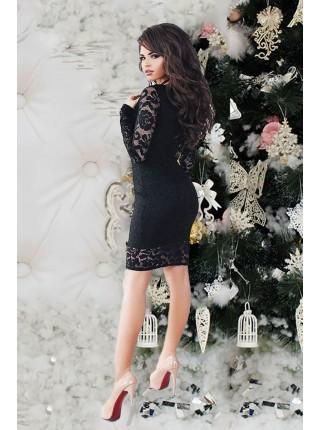 Черное вечернее платье с кружевным рукавом